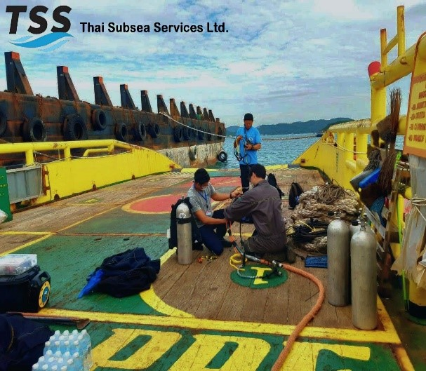 Alt text: In-Water Inspection Dive Preparation
