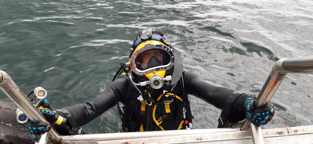 Commercial Diver To Service Your Ship